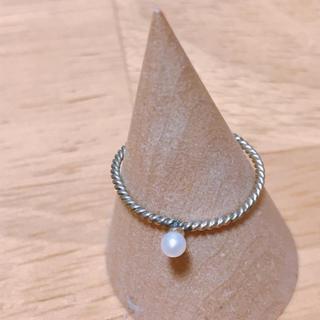 フェリシモ(FELISSIMO)の重ね付けすると可愛い華奢な淡水パールリング(リング(指輪))