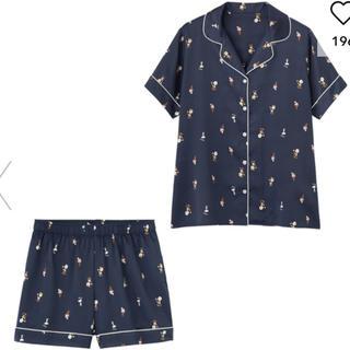 ジーユー(GU)のGU サテンパジャマ 半袖&ショートパンツPEANUTS 新品(パジャマ)