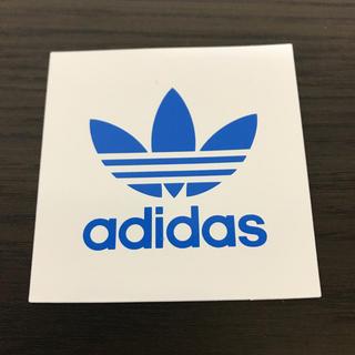 アディダス(adidas)の【縦7.3cm横7cm】 adidasステッカー(ステッカー)