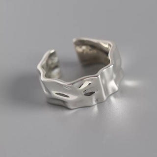 ❤︎新作❤︎シンプルなデザイン お洒落で存在感大のリング シルバー925製(リング(指輪))