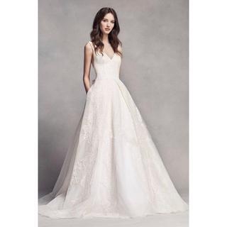 ab96194ed5c4a ウエディングドレス Vネック プリンセスライン 短トレーン 結婚式 披露宴 イブ(ウェディングドレス