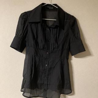 セシルマクビー(CECIL McBEE)の黒 半袖シャツ(シャツ/ブラウス(半袖/袖なし))