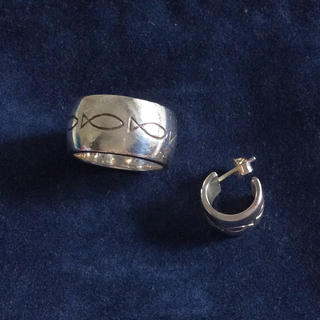 アガタ(AGATHA)のクリオブルー 指輪とお揃いのピアス(リング(指輪))