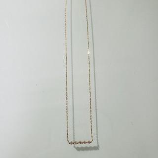 ココシュニック(COCOSHNIK)のココシュニック K18ダイヤモンド 伏せ込み5石横バー ネックレス(ネックレス)