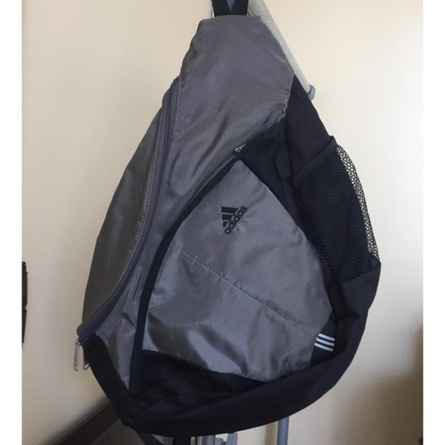 adidas(アディダス)のアディダス 斜め掛けバッグ メンズのバッグ(ショルダーバッグ)の商品写真