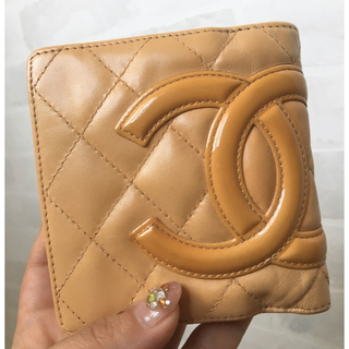 337daa48d918 シャネル(CHANEL)のシャネル❤カンボンライン 2つ折りミニ財布 ベージュ(財布)