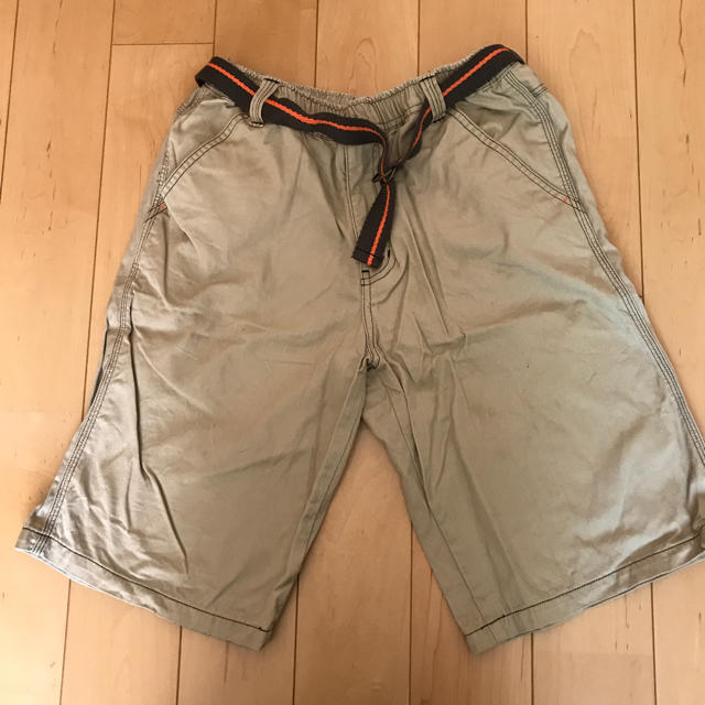 UNIQLO(ユニクロ)のユニクロハーフパンツ150 キッズ/ベビー/マタニティのキッズ服 男の子用(90cm~)(パンツ/スパッツ)の商品写真
