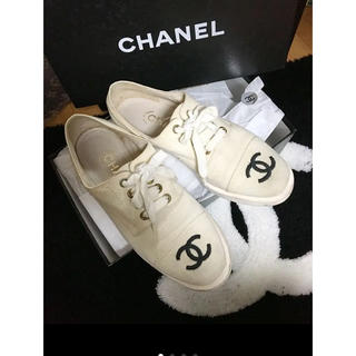ddf9a955c2ac シャネル(CHANEL)のシャネル CHANEL 靴 スニーカー 36 キャンバス オフホワイトココマーク(