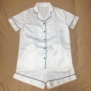 《GU》パジャマ サテン 半袖 白