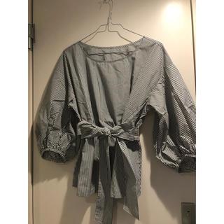 ジーユー(GU)のシャツ ブラウス トップス(シャツ/ブラウス(長袖/七分))