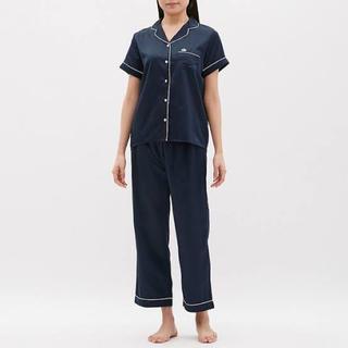 ジーユー(GU)のジーユー サテン 半袖 パジャマ ネイビー(パジャマ)
