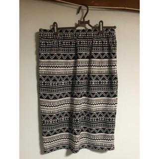 シマムラ(しまむら)のオルテガ柄 スカート(ひざ丈スカート)