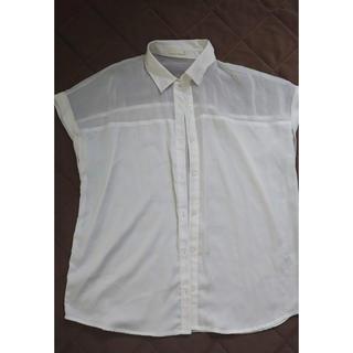 ジーユー(GU)のGU ホワイト シャツ(Tシャツ(半袖/袖なし))