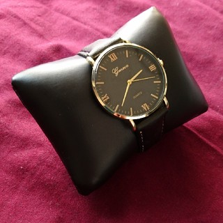 【新品】ダニエルウェリントンが好きな方 ブラック/ブラック ゴールド(腕時計(アナログ))