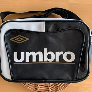 UMBRO - ☆アンブロ☆ ミニエナメルバッグ 黒