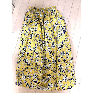 ジーユー(GU)の花柄スカート 未使用に近い(ロングスカート)