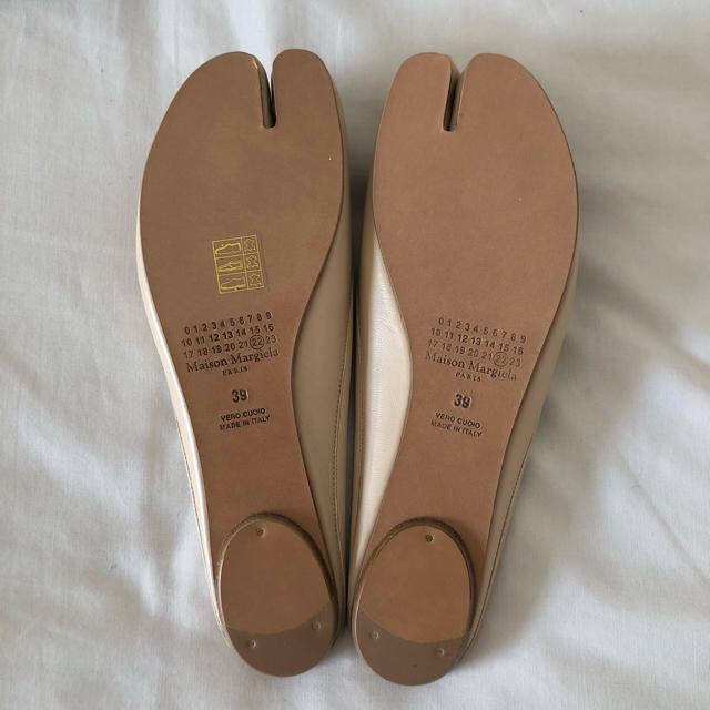 Maison Martin Margiela(マルタンマルジェラ)のMaison Margiela マルジェラ 足袋ミュール ヌード レディースの靴/シューズ(バレエシューズ)の商品写真
