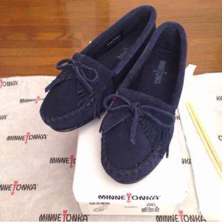 ミネトンカ(Minnetonka)の新品 5 ミネトンカ キルティモカシン(ローファー/革靴)