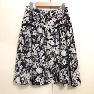 ボディドレッシングデラックス(BODY DRESSING Deluxe)のボディ ドレッシング デラックス 花柄フレアスカート 34サイズ 黒×グレー系(ひざ丈スカート)