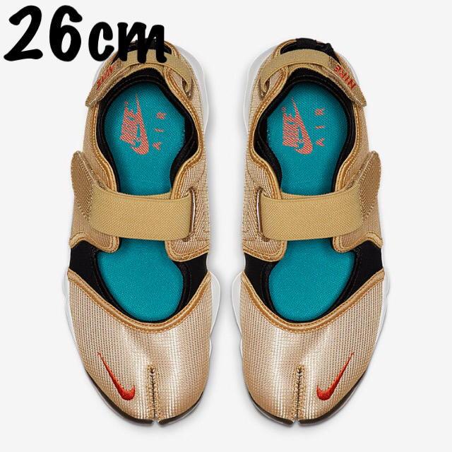NIKE(ナイキ)のNIKE エアリフト ゴールド 26cm レディースの靴/シューズ(サンダル)の商品写真