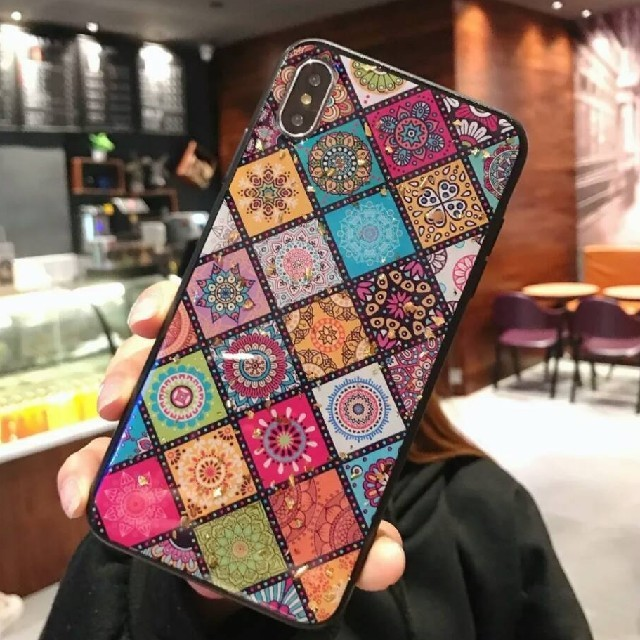 gucci 携帯 ケース iphone8 、 金箔入り高級感溢れる☆アンティーク調☆iPhone XRケースの通販 by minmin✩⋆*॰¨̮⋆。˚'s shop|ラクマ