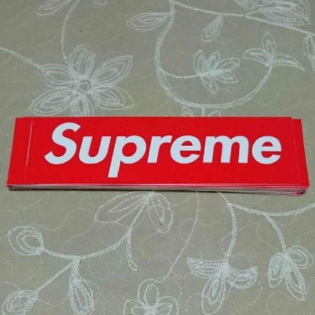 Supreme(シュプリーム)のSupreme box logo sticker 定番 赤 ステッカー  自動車/バイクのバイク(ステッカー)の商品写真