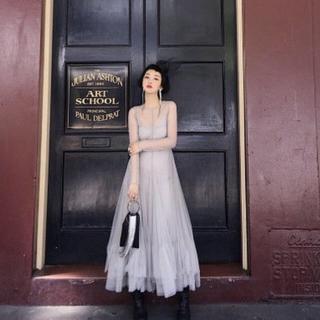 f77ef8ddf608f ヘムラインティアードレス 結婚式 二次会 前撮りドレス(ウェディングドレス)
