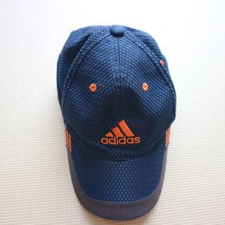 アディダス(adidas)のアディダス/小学生キャップ51-54cm(帽子)