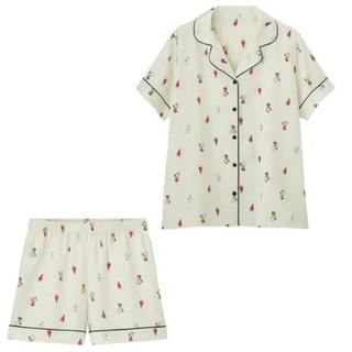 ジーユー(GU)のGU サテンパジャマ 半袖&ショートパンツPEANUTS 新品 S オフホワイト(パジャマ)