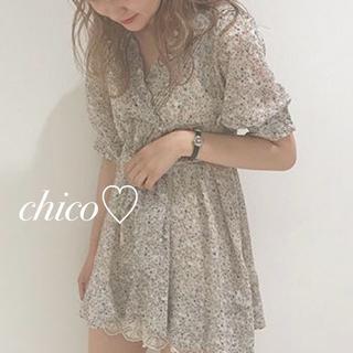 who's who Chico - 春夏新品♡フラワーピンタックチュニック