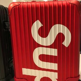 リモワ(RIMOWA)の送料込!Supreme RIMOWA Topas 45L 赤(トラベルバッグ/スーツケース)