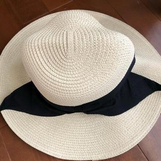 セシール(cecile)の未使用☆折りたためる夏らしい帽子 小さめなのでお子様にも(麦わら帽子/ストローハット)