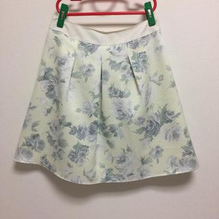 花柄フレアスカート(ひざ丈スカート)