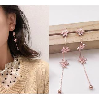 桜花びらフラワーチェーンスプリングロングピアス +250円全品イヤリング変更可能