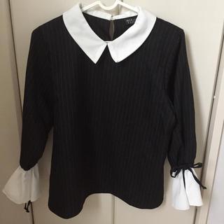 シマムラ(しまむら)の襟付き ブラウス フリル リボン ストライプ 黒(シャツ/ブラウス(半袖/袖なし))