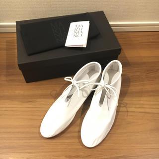 トゥモローランド(TOMORROWLAND)の新品 MARTINIANO bootie white 36.5(ローファー/革靴)
