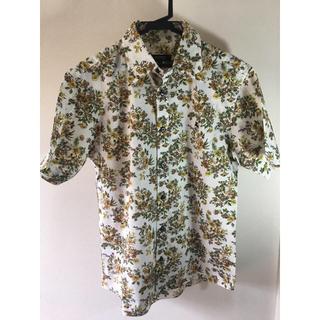 バーバリー(BURBERRY)の【美品】アロハシャツ。花総柄シャツ。(シャツ)