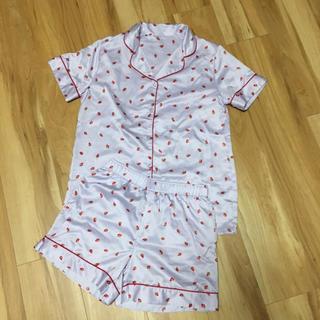 ジーユー(GU)のサテン いちごパジャマ(パジャマ)