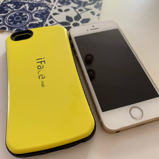 iPhone - iPhoneSE 64gb SIMロック解除済 バッテリー100%