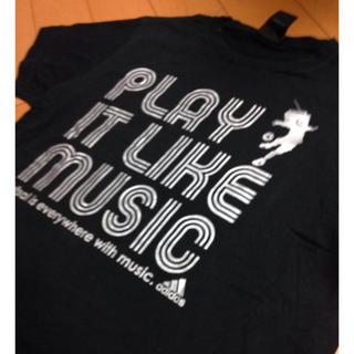 アディダス(adidas)のadidas playlikeitmusicブラックコットンT(Tシャツ/カットソー(半袖/袖なし))