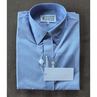 マルタンマルジェラ(Maison Martin Margiela)の40新品56%off マルジェラ ドレスシャツ スカイブルー 17SS(シャツ)