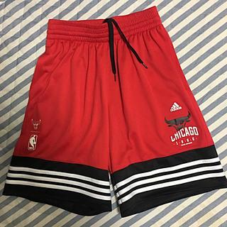 アディダス(adidas)の(adidas)バスパン シカゴブルズ 美品(バスケットボール)