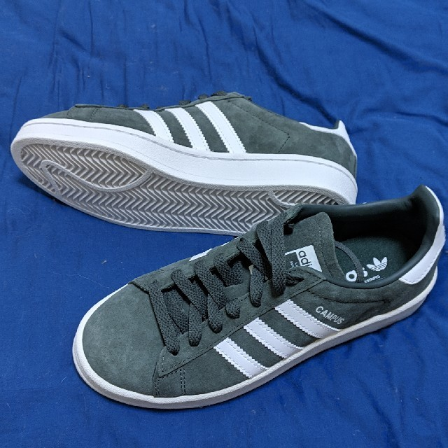 adidas(アディダス)のアディダス レディース 22cm 新品未使用 レディースの靴/シューズ(スニーカー)の商品写真