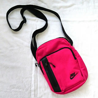 NIKE - NIKE ナイキ ショルダーバッグ ピンク