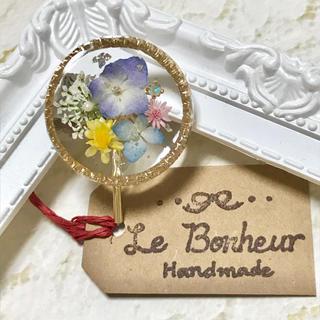 紫陽花と花々 ラウンド ポニーフック ヘアカフス (ヘアアクセサリー)