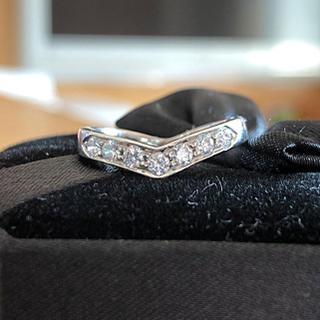 ティファニー(Tiffany & Co.)の5月末までの出品☆ ティファニー Vバンドリング(リング(指輪))