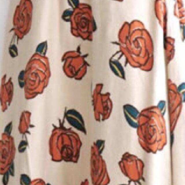 antiqua(アンティカ)の❣️ちゃや様専用です❣️イーザッカマニア🌹バラ柄 ロングフレアスカート 🌹  レディースのスカート(ロングスカート)の商品写真