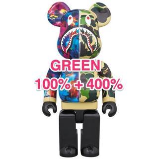アベイシングエイプ(A BATHING APE)の100%+400% GREEN BE@RBRICK mika ninagawa(その他)