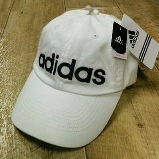 アディダス(adidas)の新品 ビッグロゴadidasキャップ ホワイト(キャップ)