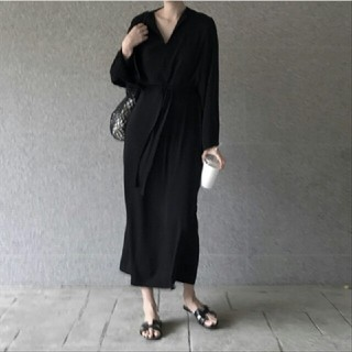 韓国ファッション 新品  Vネック     デザインワンピース 黒(ロングワンピース/マキシワンピース)